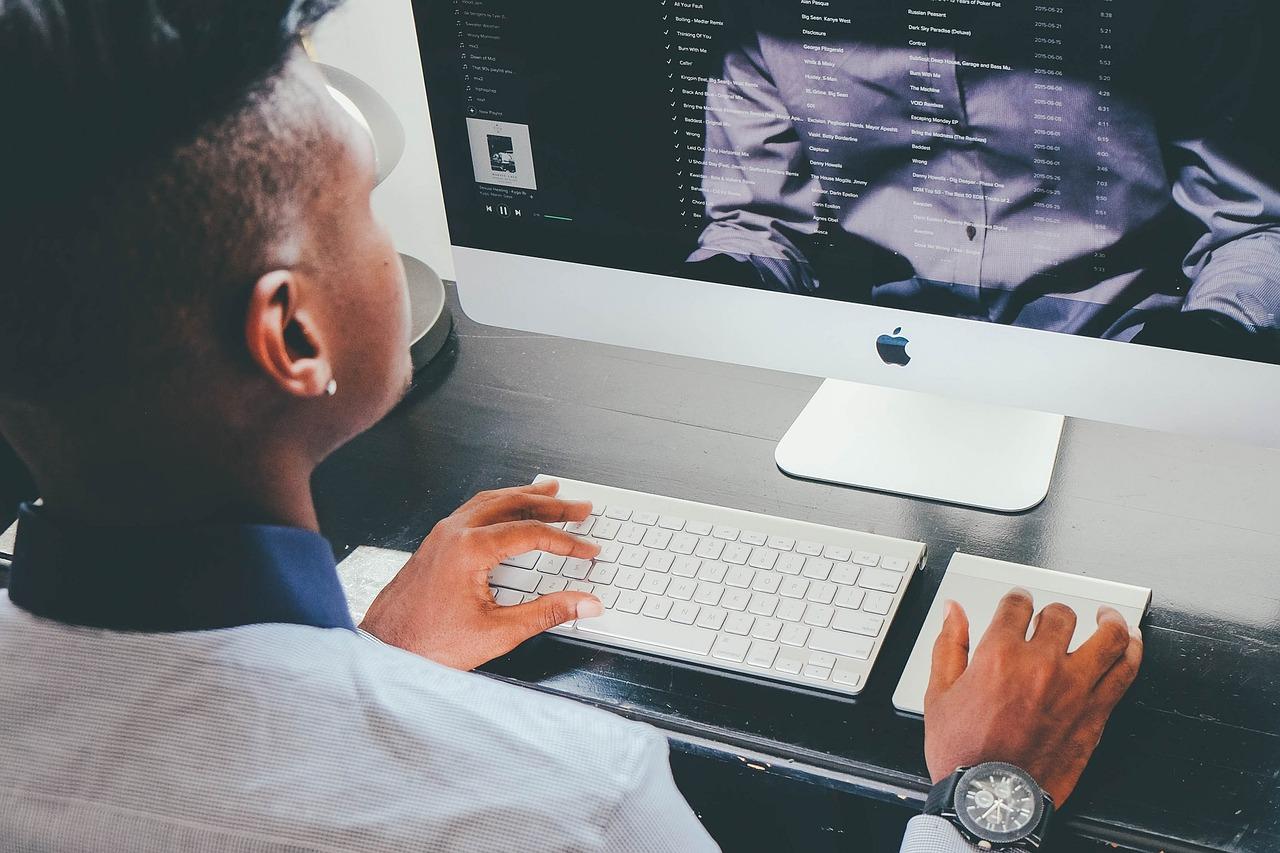 La nueva era de la comercialización exige un nuevo tipo de gestión de marketing. En Clientia podemos ayudarte a implementar esta nueva forma de entender las ventas.